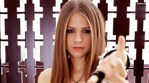avril lavigne wallpaper possibly with a portrait entitled Avril Lavigne wallpaper ♥