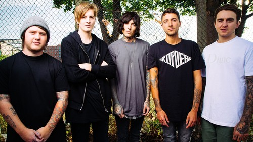 Bring Me The Horizon fondo de pantalla called Bring Me The Horizon Upset Magazine Photoshot