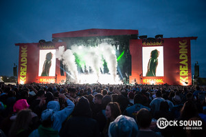 Bring Me The Horizon at membaca Festival konser Picture
