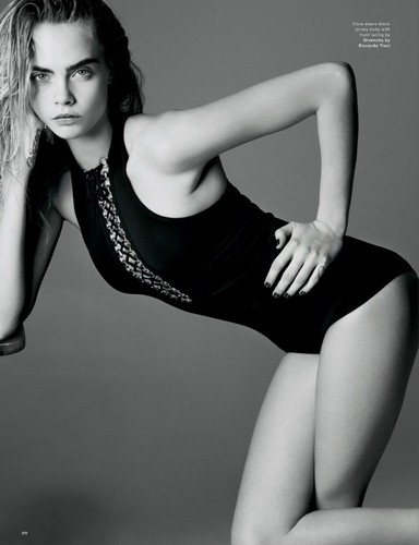 Cara Delevingne karatasi la kupamba ukuta containing a leotard and tights entitled Cara Delevingne
