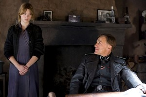 Christoph Waltz as Col. Hans Landa and Lea Seydoux as شارلٹ LaPadite