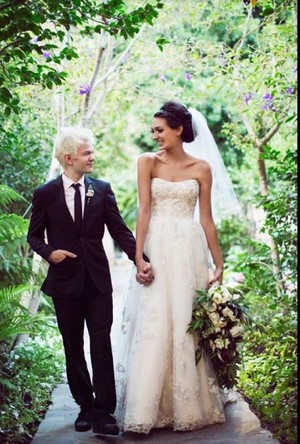 Deryck Whibley at his wedding