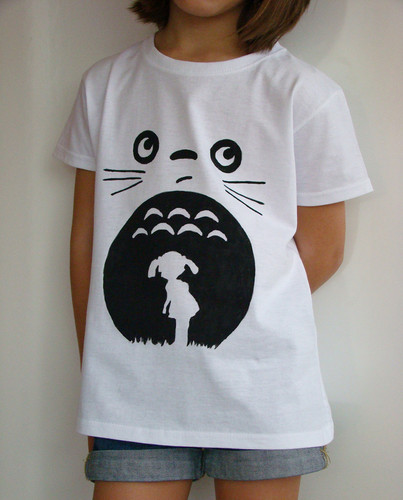 My Neighbor Totoro پیپر وال possibly containing a jersey titled DiY Totoro T-shirt