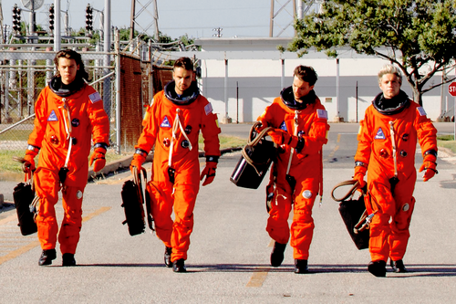 One Direction Обои titled Drag Me Down