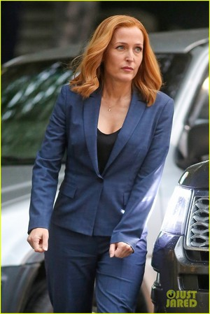 Gillian Anderson and David Duchovny balutin 'X-Files' Filming!