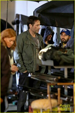 Gillian Anderson and David Duchovny bungkus, balut 'X-Files' Filming!