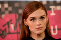 Holland Roden at the 2015 MTV Video Music Awards on August 30, 2015 - holland-roden photo