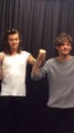 Larry holding hands (OTRA Detroit) - larry-stylinson photo