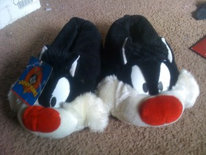 Sylvester cat slippers size 7-8 medium