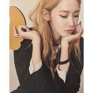 Im Yoona - HConnect