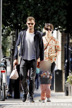 Jamie Dornan, Amelia Warner, Dulcie Dornan spotted in Londres on September, 10