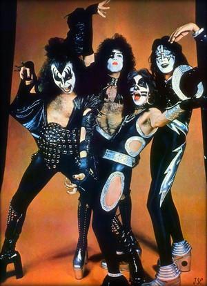 KISS ~Michigan Palace…May 15, 1975