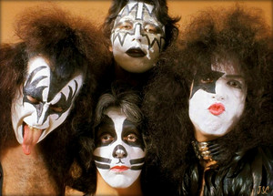KISS (NYC) August 23, 1975