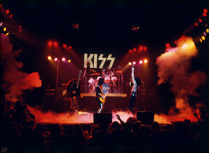 KISS ~New York, NY (Beacon Theater) March 21, 1975