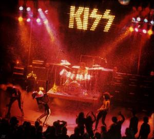 Kiss ~New York, NY (Beacon Theater) March 21, 1975