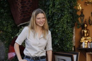 Lea Seydoux as Gabrielle in Midnight in Paris