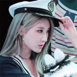 Moon Hyuna Icons
