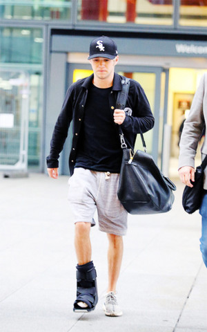 Niall at the airport