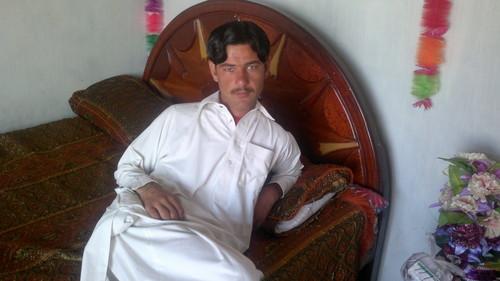 Shahid Afridi achtergrond titled Parachinarasim tanha