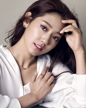 Park Shin Hye's New F/W 2015 Ads For Agatha Paris