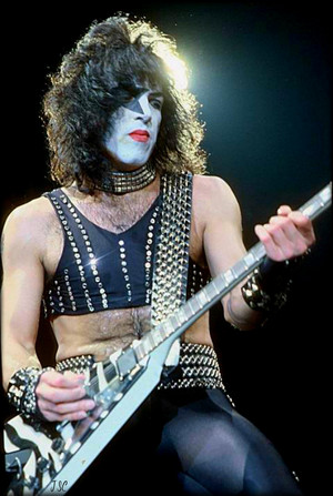 Paul ~Norfolk, Virginia…January 25, 1983 (Creatures Of The Night Tour)