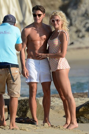 Pixie and Oliver in Mykonos