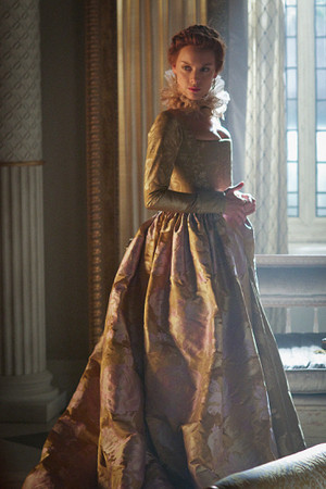 """Reign """"Three Queens, Two Tigers"""" (3x01) promotional picture"""