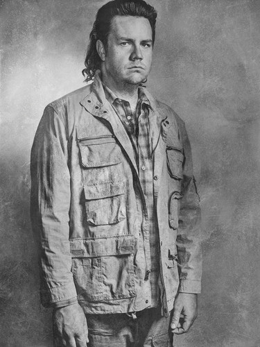 Walking Dead fond d'écran containing a green beret, fatigues, fatigue, and tenue de combat entitled Season 6 Character Portrait ~ Eugene Porter
