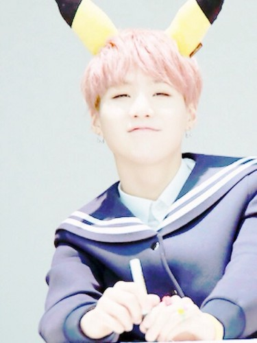 Suga (BTS) 壁紙 titled Suga hottie♥♥