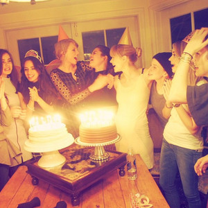 TAYLOR cepat, swift INSTAGRAM