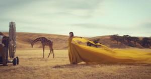 "Taylor pantas, swift ""Wildest Dreams"" MV"