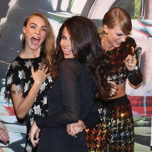 Tayor, Selena and Cara at VMAs