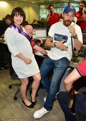 Tom Hardy and his pregnant wife charlotte Riley lent their bintang power to BGC brokers' annual charity