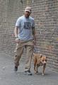 Tom Walking Cass in London 23.8.15 - tom-hardy photo