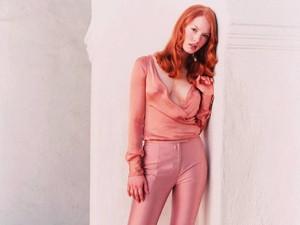 alicia witt in rosado, rosa