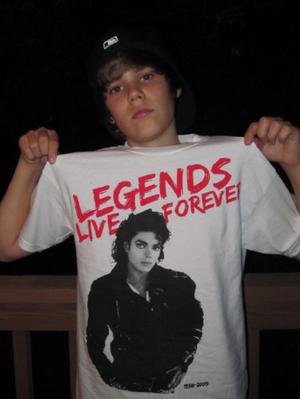 justin bieber wearing Michael jackson camicia