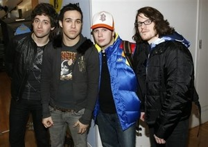 pete wentz from fall out boy got his michael jackson shati on with fall out boy band