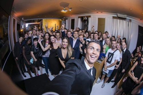 Cristiano Ronaldo wallpaper containing a business suit entitled selfie!!!!
