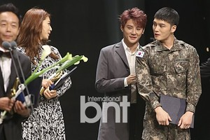 151029 JYJ at 2015 Korean জনপ্রিয় Culture and Arts Awards