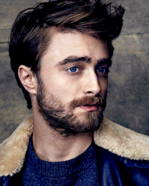(MQ) Daniel Radcliffe Photoshoot for El Pais icoon (Fb.com/DanieljacobradcliffeFanClub)