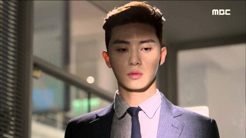Park Seo Joon 바탕화면 containing a business suit entitled ♥ Park Seo Joon ♥