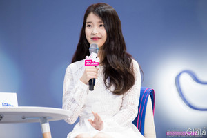 150908 IU at Samsung Play the Challenge Talk konsert