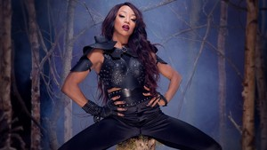 Alicia Fox Honors the Deadman