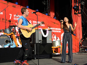 Ariana Grande x coldplay - Global Citizens Festival 2015