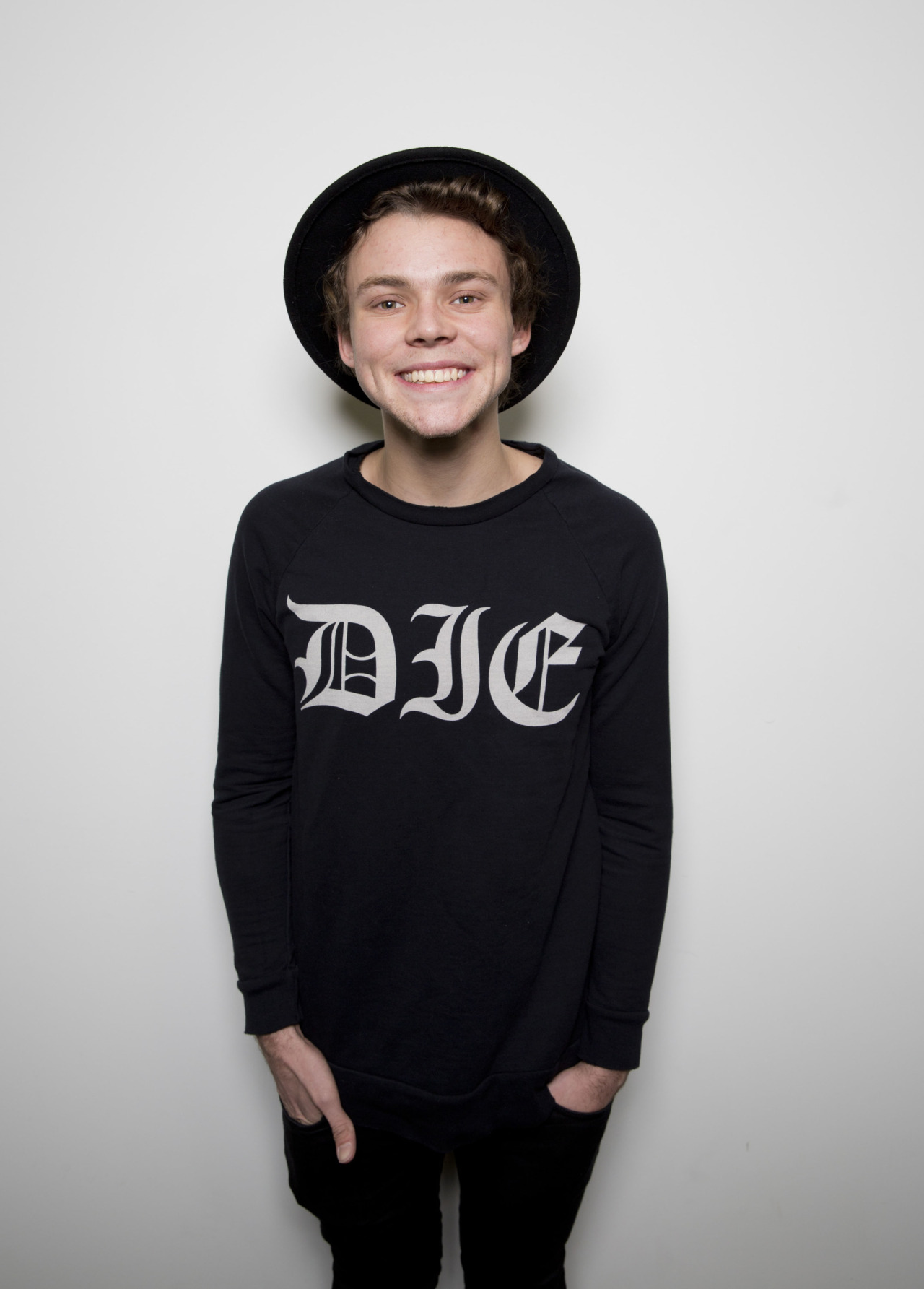 Ashton Irwin - Ashton Irwin Wallpaper (38979214) - Fanpop