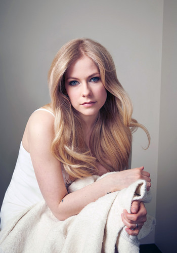 Avril Lavigne wallpaper possibly with a fur coat, a bath towel, and a portrait called Avril Lavigne 2015 Photoshoot ♥