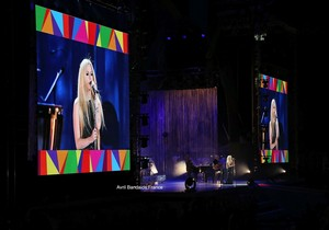 """Avril Lavigne Special Olympics """"Fly"""" performance - Los Angeles 25.07.15 ♥"""