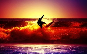 Colourful Surfing 壁纸