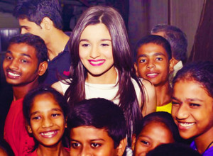 Cutie Alia Bhatt with fans