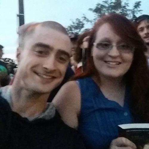 Daniel Radcliffe with fans at 'Imperium' Set. (Fb.com ... Daniel Radcliffe Fan